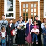 В день празднования памяти святых благоверных князей Петра и Февронии Муромских многодетные семьи поздравили с праздником с вручением подарков